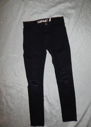 Джинсы на девочку модные рваные колени 8-9 лет 134см  skinny fit