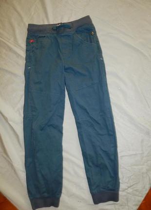 Джинсы брюки на мальчика 11-12 лет
