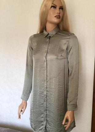 Сатиновое платье рубашка оливкового цвета с вышивкой atmospher...