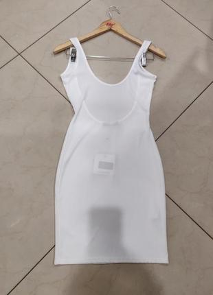 Ликвидация товара 🔥    белое мини платье в рубчик с открытой с...