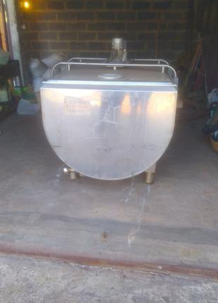 Охладитель молока на 1200 л