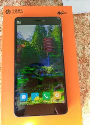 Телефон Xiaomi MI-4 2/16 работает отлично, выглядит отлично.