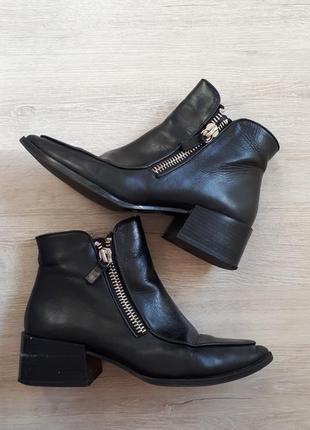 Ботинки-ботильоны с молниями (39 размер)