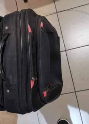 Чемодан. дорожная сумка на колесах