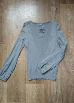Пуловер с глубоким декольте, 10% ангора
