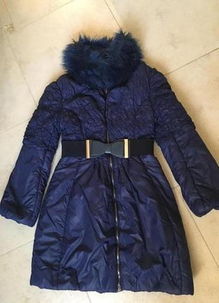 Демисезонная куртка - пальто на девочку на 10-12 лет б. у.