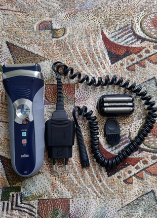 Електро бритва Braun