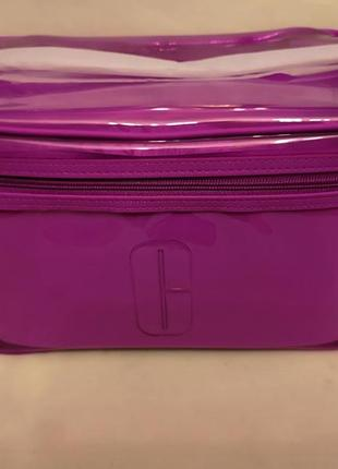 Стильная сумка для косметики от clinique
