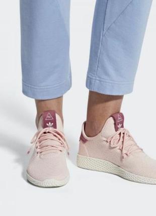 Легкие нежные кроссовки adidas pharrell williams tennis hu aq0...