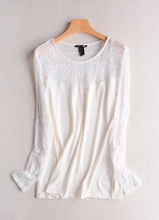 H&m нежная блуза с кружевными рукавами , размер м
