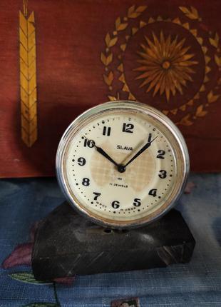 Настольные часы-будильник, на подставке. slava
