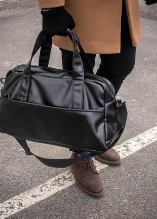 Мужская спортивная сумка Cross Vintage черная дорожная