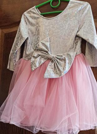 Нарядное платье для девочки 3-5 лет