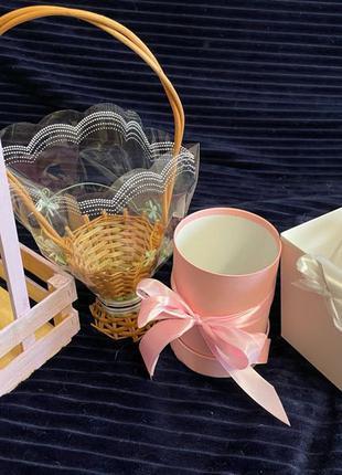 Корзинки, цилиндры, тубусы, упаковки для цветов и декора