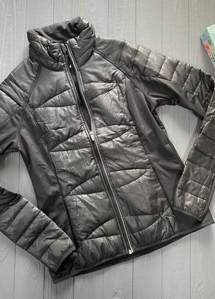 Женская спортивная курточка ветровка р с-м