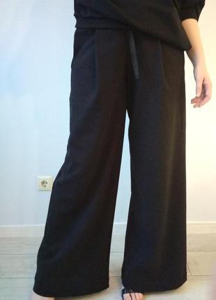 Трендовые брюки-палаццо из трикотажа (италия)
