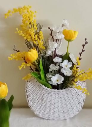 Дорбаскет с весенними цветами