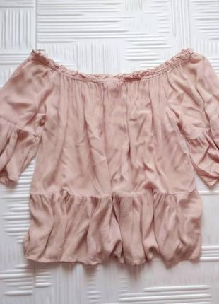 Блузка со спущенными плечами clockhouse
