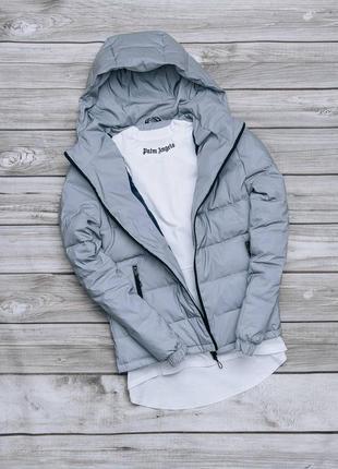 Весенняя непродуваемая куртка с капюшоном серая ветровка