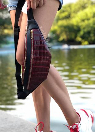 6 цветов! сумка на пояс красный бордовый крокодил с черным бан...