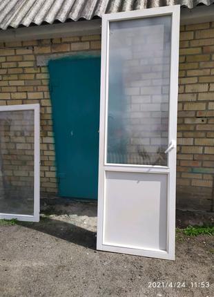 Окно, двері
