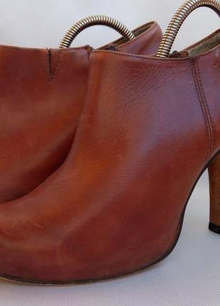 Туфли закрытые tamaris, супер состояние,38 р.