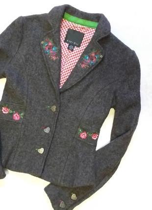 Красивейший пиджак с вышивкой крестиком и гладью, amisu, 36 р.