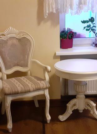 Гарнитур.Барокко.Столик и два стула.