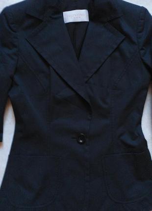 Пиджак от итальянского  дома мод valentino