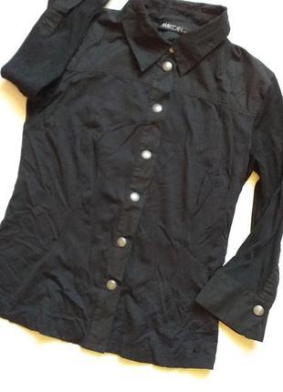 Черная рубашка спортивного типа от marc cain на заклепках
