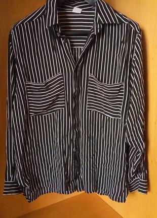 Мужская стильная рубашка свободного кроя