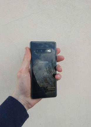 Продам Samsung Galaxy S10 plus 8/128 gb