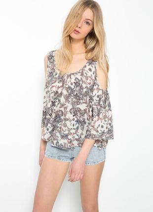 Блуза с оголенными плечами bershka