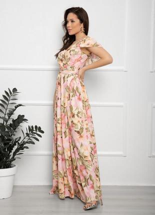 Длинное розовое платье на запах с воланами