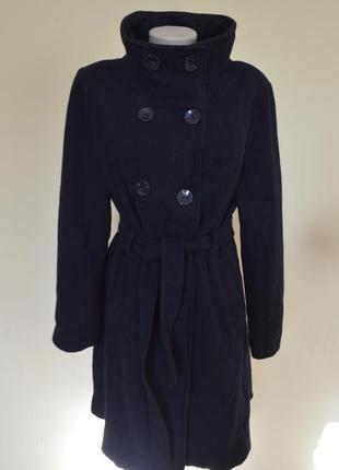 Очень красивое шерстяное пальто под пояс темно-синее