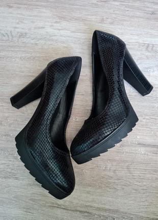 Туфли блестящие высокий каблук graceland