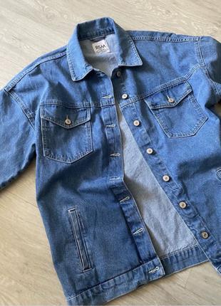 Продам джинсовую куртку (джинсовку)