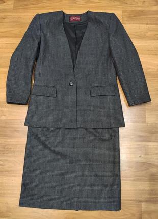 Sasson! серый шерстяной костюм в клетку пиджак с юбкой