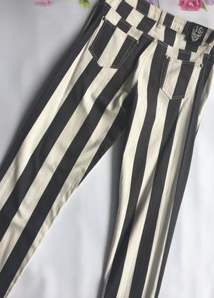 Актуальные джинсы в полоску от pulp