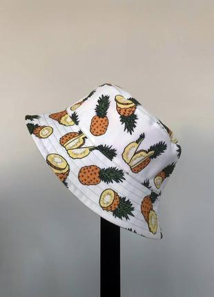 Панама с ананасами