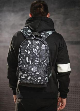 Стильный черно-белый молодежный городской рюкзак