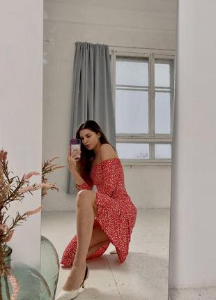 Платье с разрезом на ноге платье в цветочный принт с открытыми...