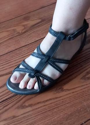 Кожаные босоножки босоніжки сандалии оригинал