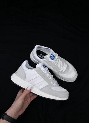 Кроссовки женские  мужские  adidas