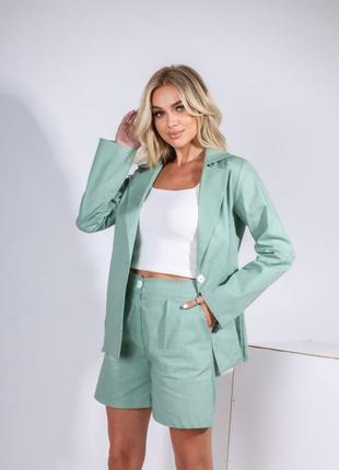 Костюм женский пиджак и шорты бермуды зеленый