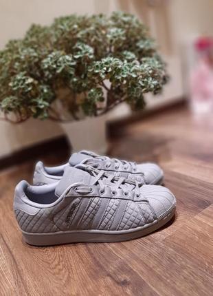 Оригинальные кроссовки adidas 39 размер