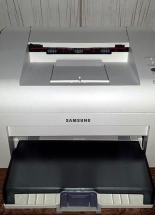 Samsung ML-2015 в хорошем состоянии, Пробег 5300 страниц. Гара...