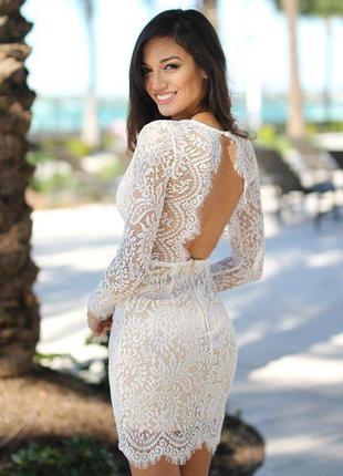 Шикарное белое кружевное короткое свадебное платье с открытой ...
