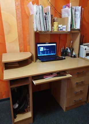 Письменный / компьютерный стол