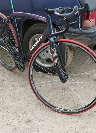 Італійський шосейный велосипед. З супер лёгкой рамой